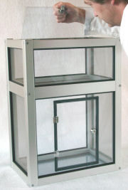 Top lockable insect cage